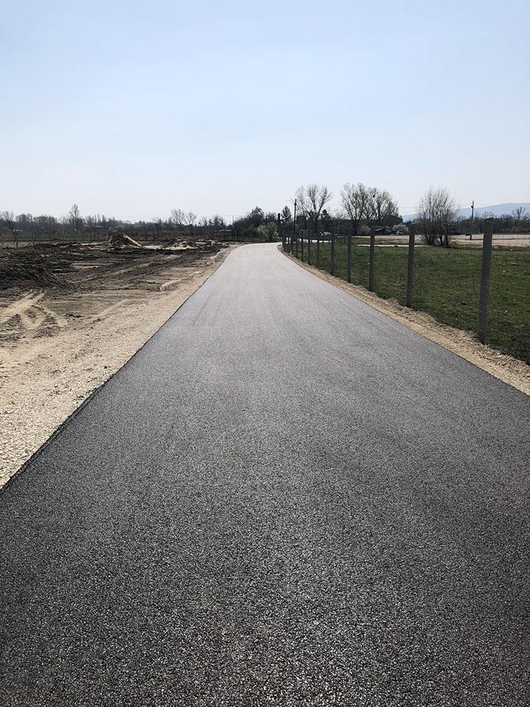 Lupa-tó parkoló – útépítés